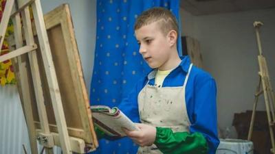 В Італії відкрилася виставка картин хлопчика-аутиста з Буковини (ФОТО)