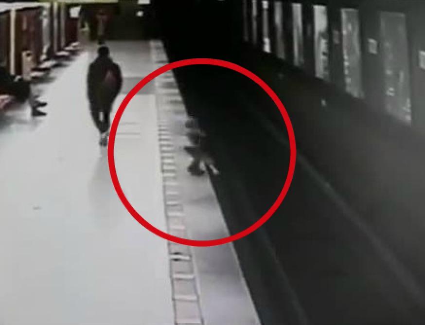 Risultati immagini per milano metro lorenzo