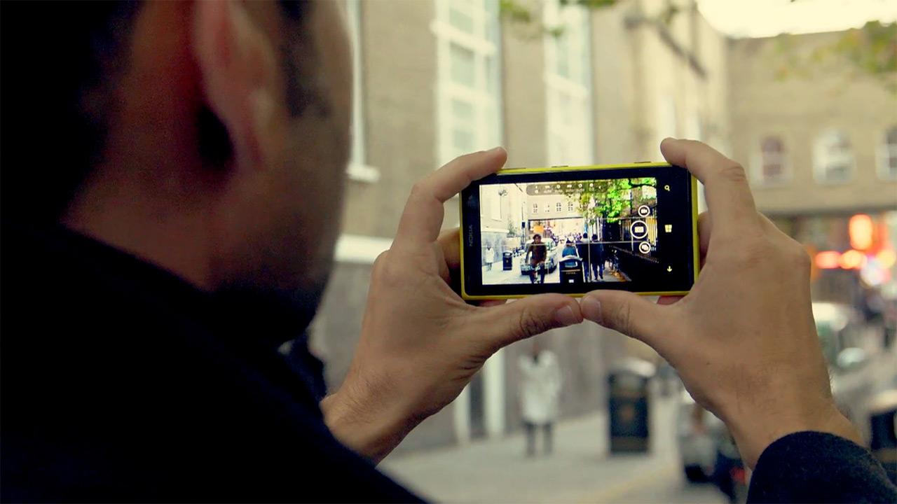 Risultati immagini per foto smartphone