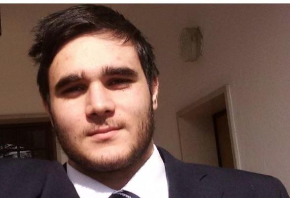 Veneto, incidente nella notte: auto finisce contro camion. Vincenzo muore a 22 anni